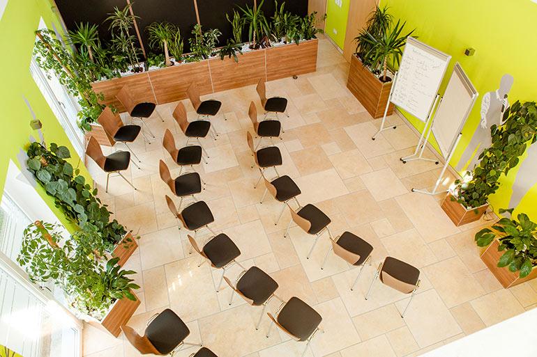 Seminarhaus Gruber Tischanordnung kleine Gruppe 4