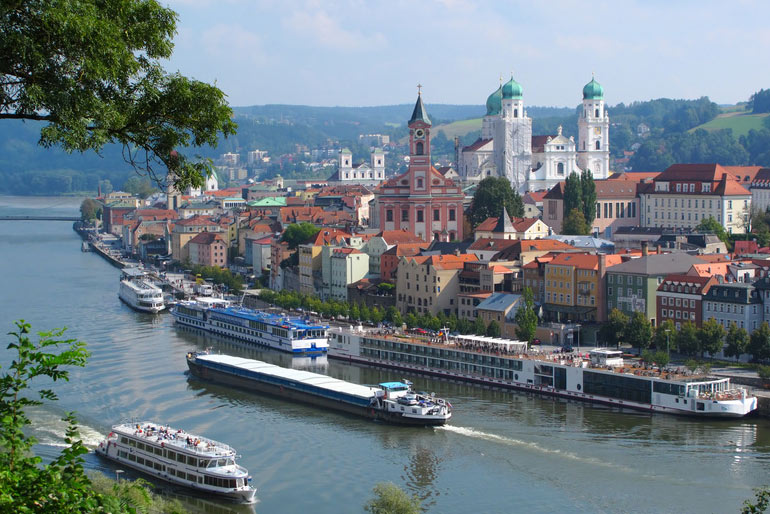 Panorama Passau, Dom, Donau, Schiffe